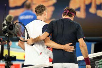 Federer muestra sus valores y elogia a Millman