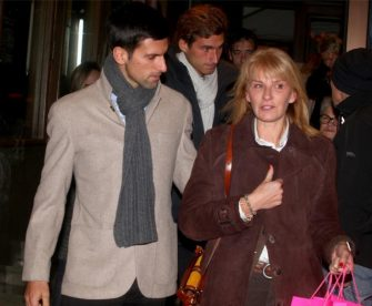 """Madre de Djokovic: """"Traen algo contra él, es aterrador lo que le escriben"""""""