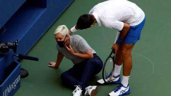 Juez de línea es amenazada de muerte tras el pelotazo de Novak Djokovic