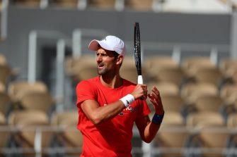 Djokovic: Estamos en octubre, es normal que las pelotas estén pesadas