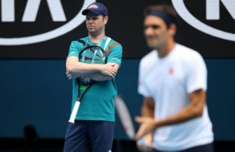 Luthi: Federer volvería a la pista en octubre; la retirada no se ha planteado