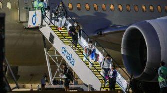 Dos positivos en un vuelo de Los Ángeles a Melbourne perjudican a varios tenistas viajeros