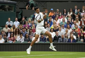 Djokovic pide terminar con una tradición de Wimbledon